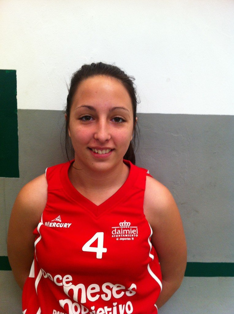 Angela Escuderos